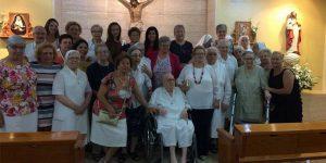 02 - Coro Rociero Amanecer en Casa Padre Juan Bonal de las Hermanas de la Caridad de Santa Ana en Dos Hermanas, Sevilla